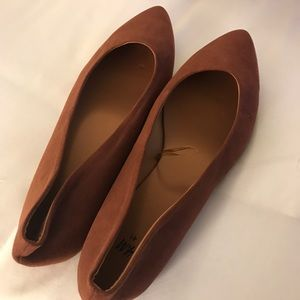 H&M | NWOT Pointed Toe Flats